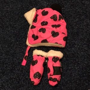 Girls soft heart winter hat and mittens.